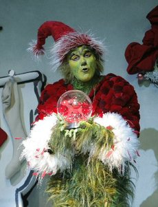 Grinch_on_broadway_2_2